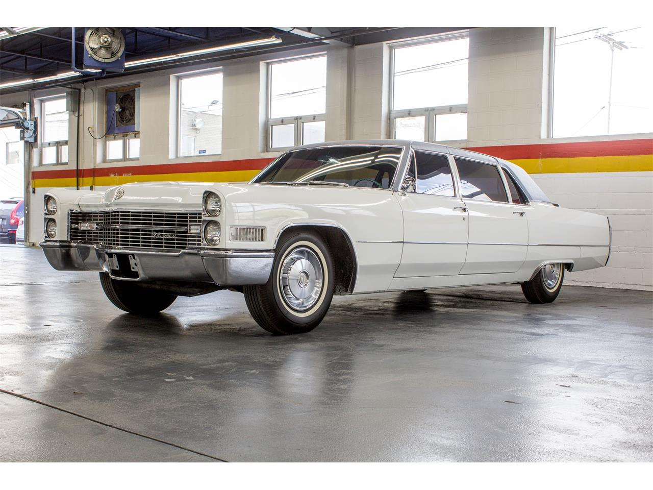 Large Picture of Classic 1966 Cadillac Fleetwood Limousine located in Montreal Quebec - NKXQ
