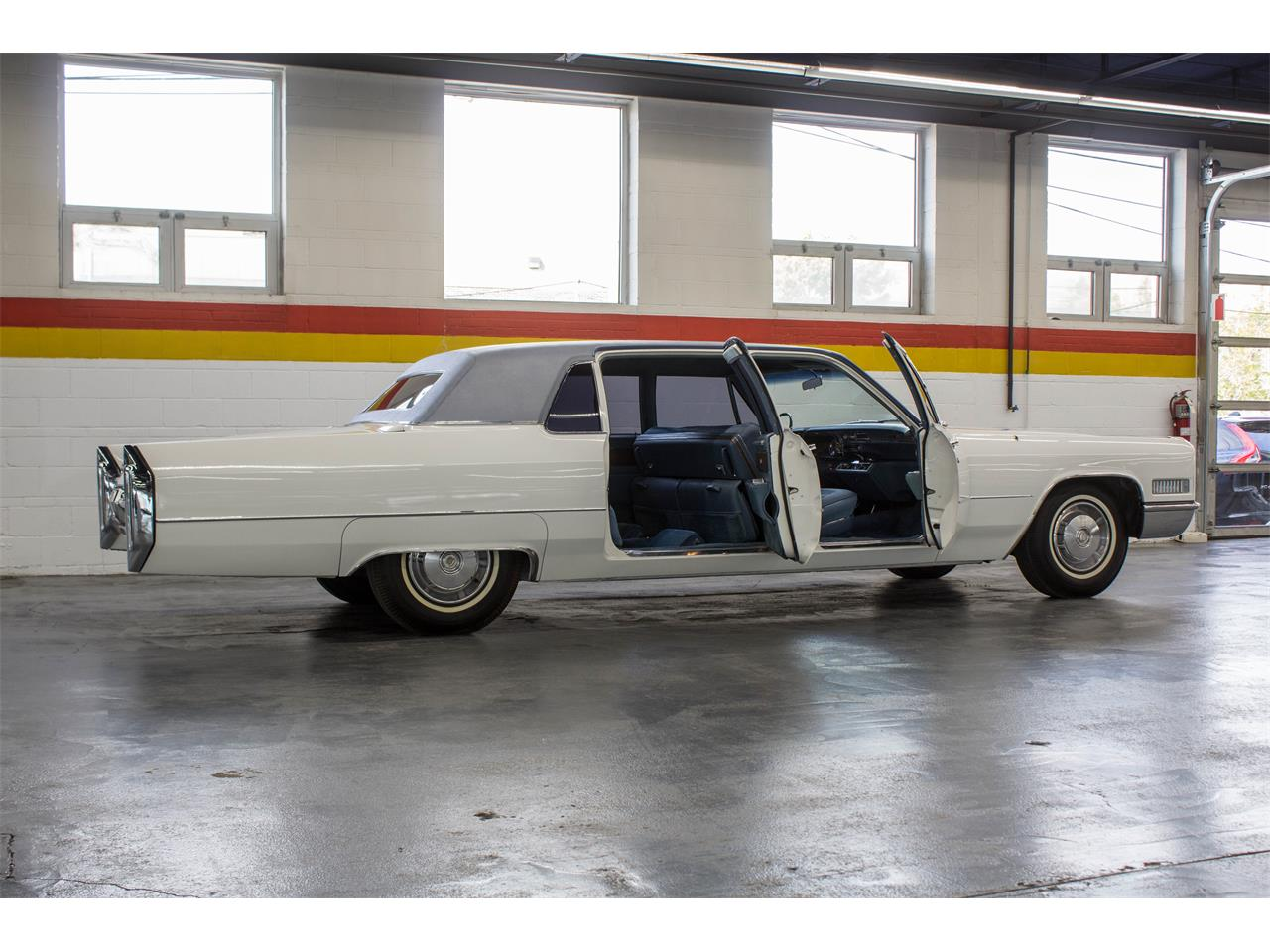 Large Picture of '66 Cadillac Fleetwood Limousine located in Quebec Offered by John Scotti Classic Cars - NKXQ