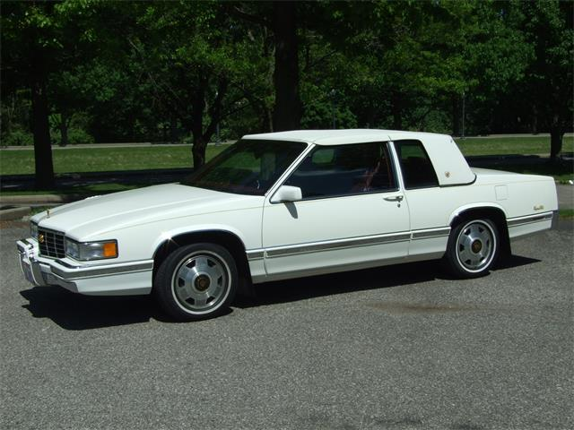 Picture of 1992 Cadillac DeVille located in Ohio - $9,950.00 Offered by  - NMQS