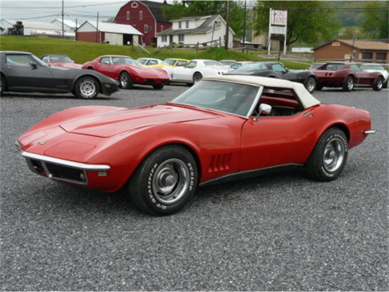 Large Picture of '68 Corvette - NMRQ