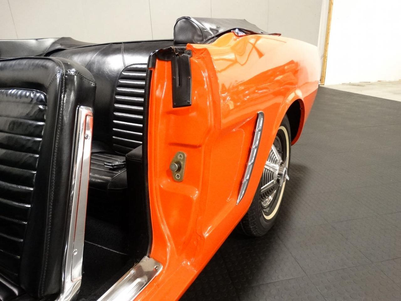 Large Picture of Classic '65 Mustang located in Indiana Offered by Gateway Classic Cars - Louisville - NMUD
