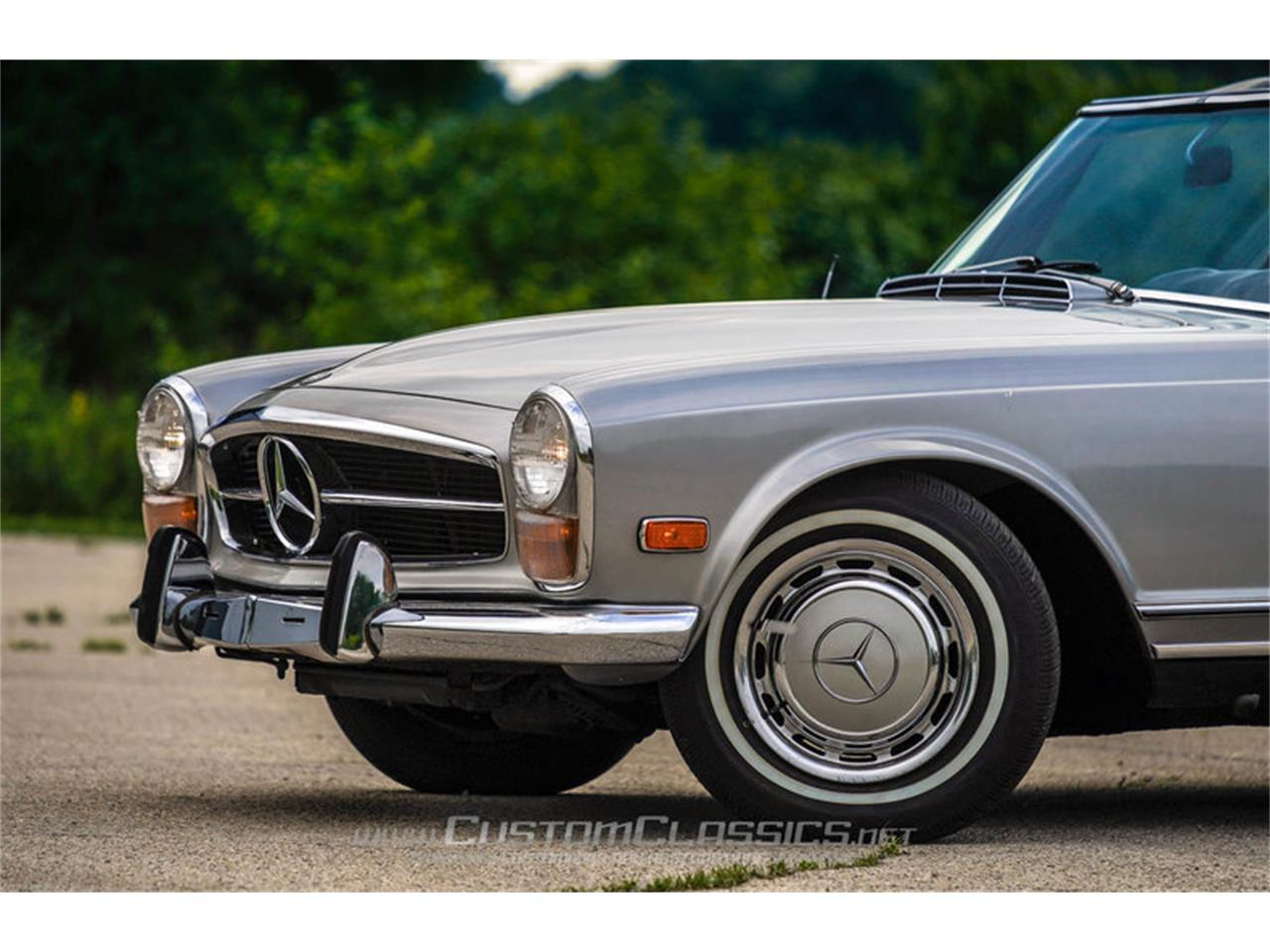 Large Picture of Classic 1970 280SL located in Island Lake Illinois - $68,500.00 Offered by Custom Classics - NMYI