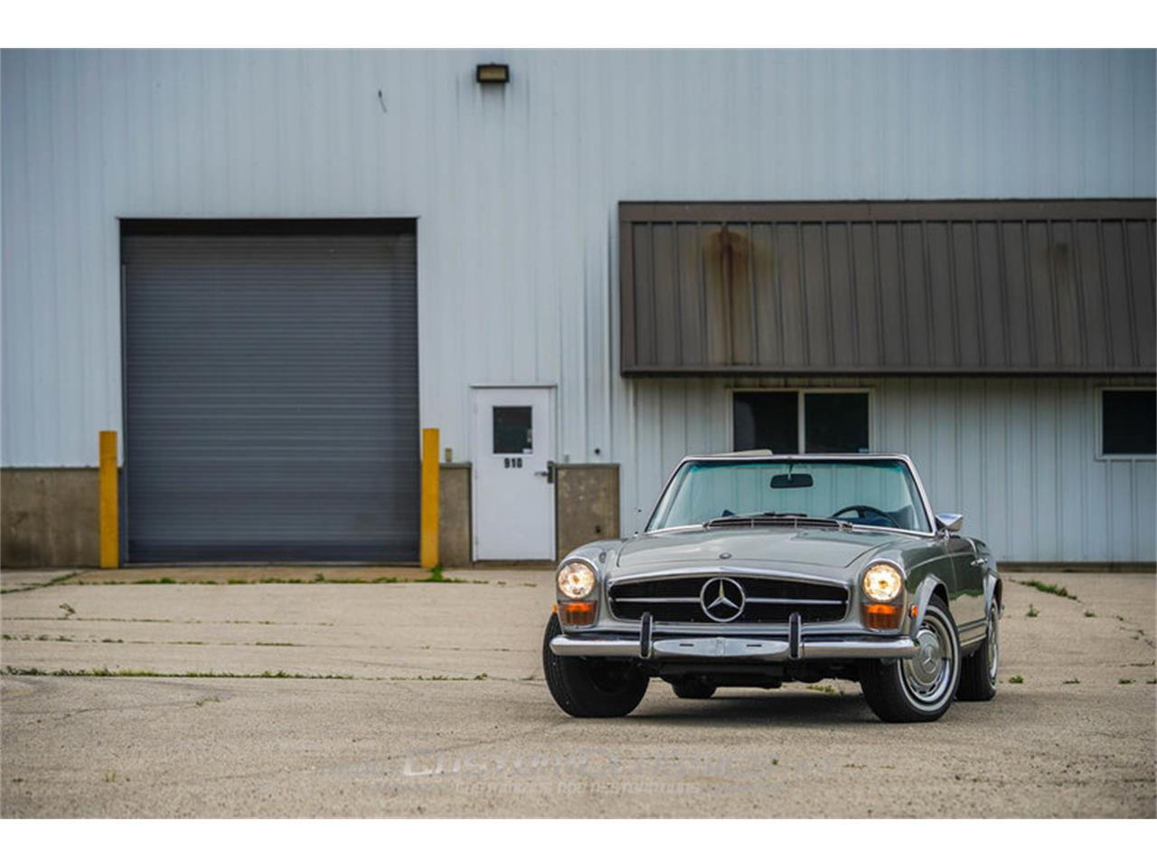Large Picture of '70 Mercedes-Benz 280SL Offered by Custom Classics - NMYI