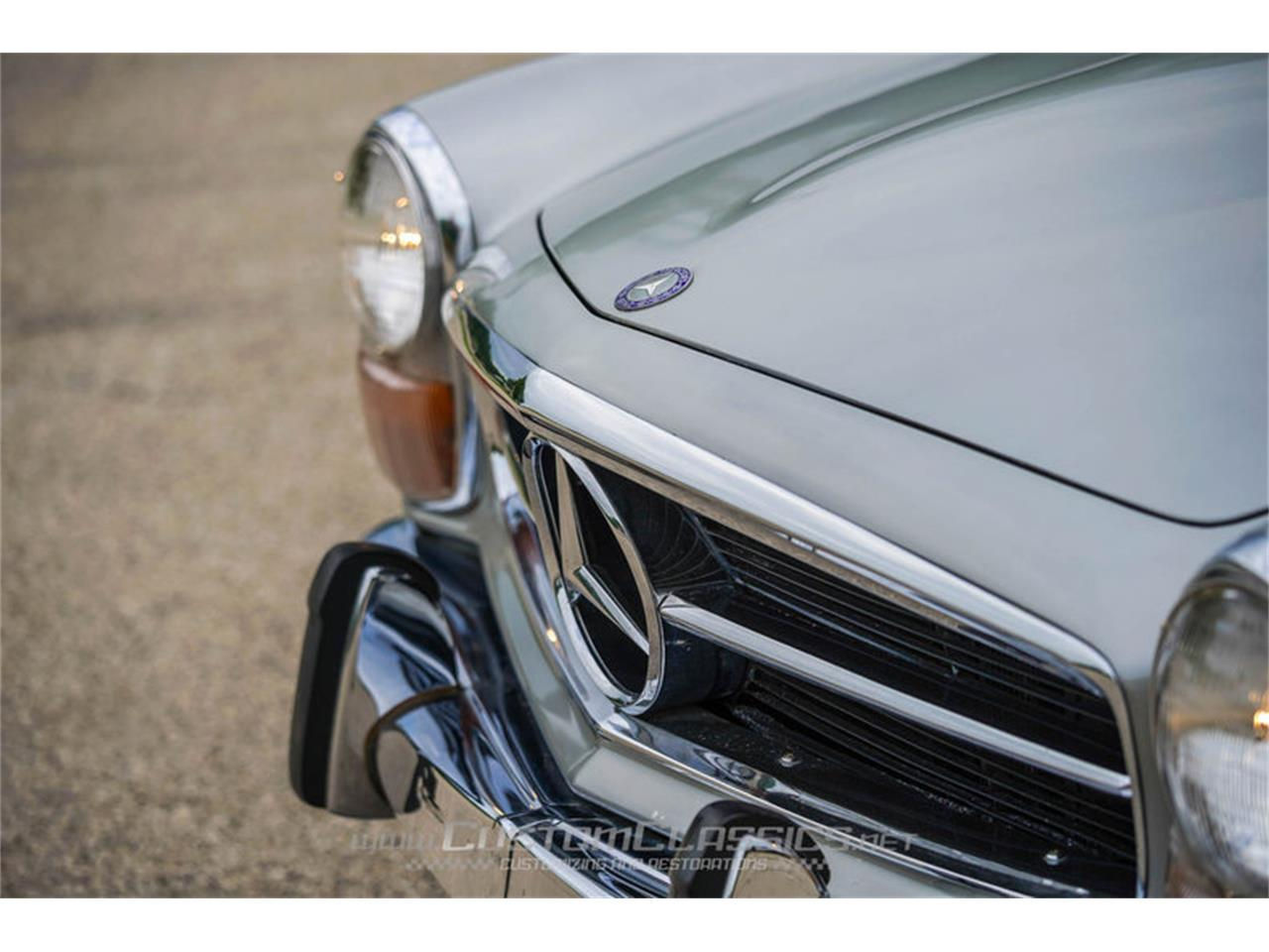 Large Picture of '70 280SL Offered by Custom Classics - NMYI