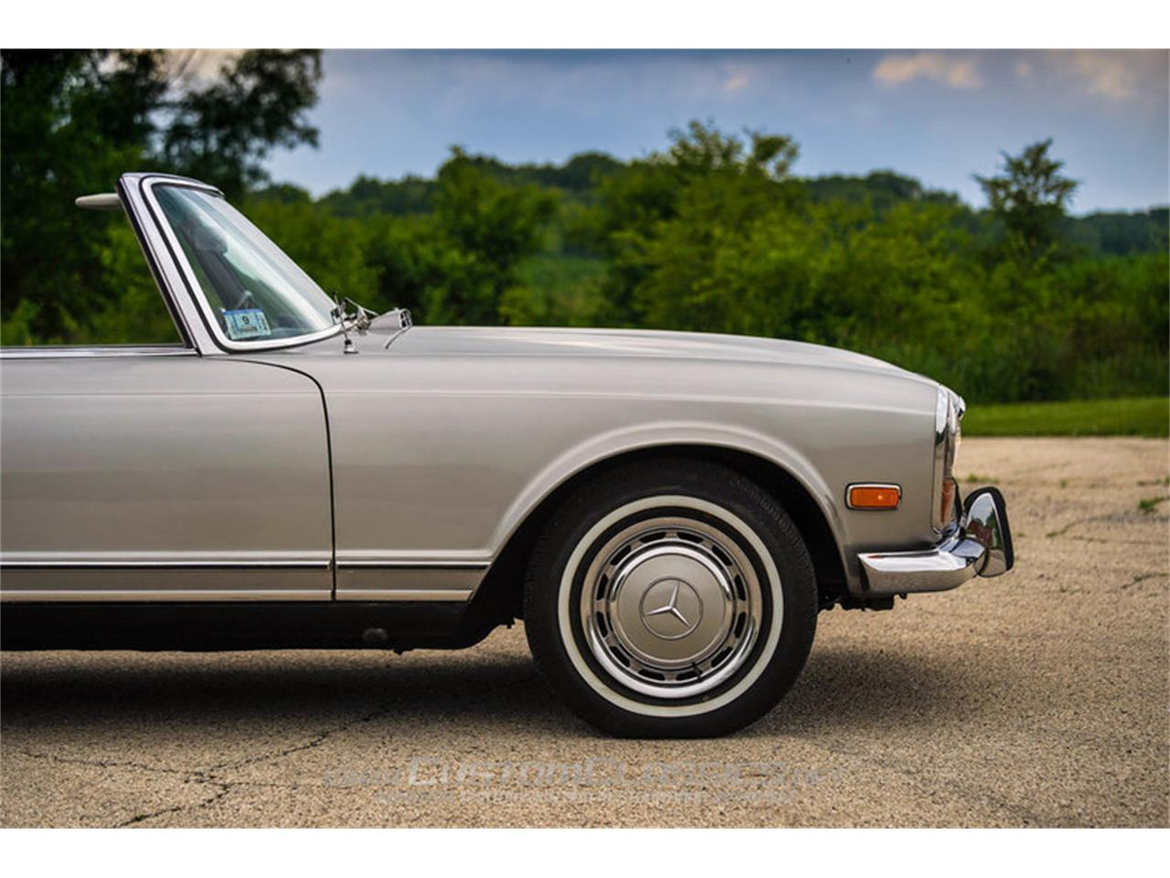 Large Picture of Classic 1970 280SL located in Island Lake Illinois - NMYI