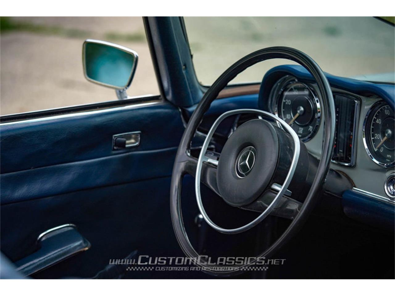 Large Picture of Classic 1970 Mercedes-Benz 280SL - NMYI