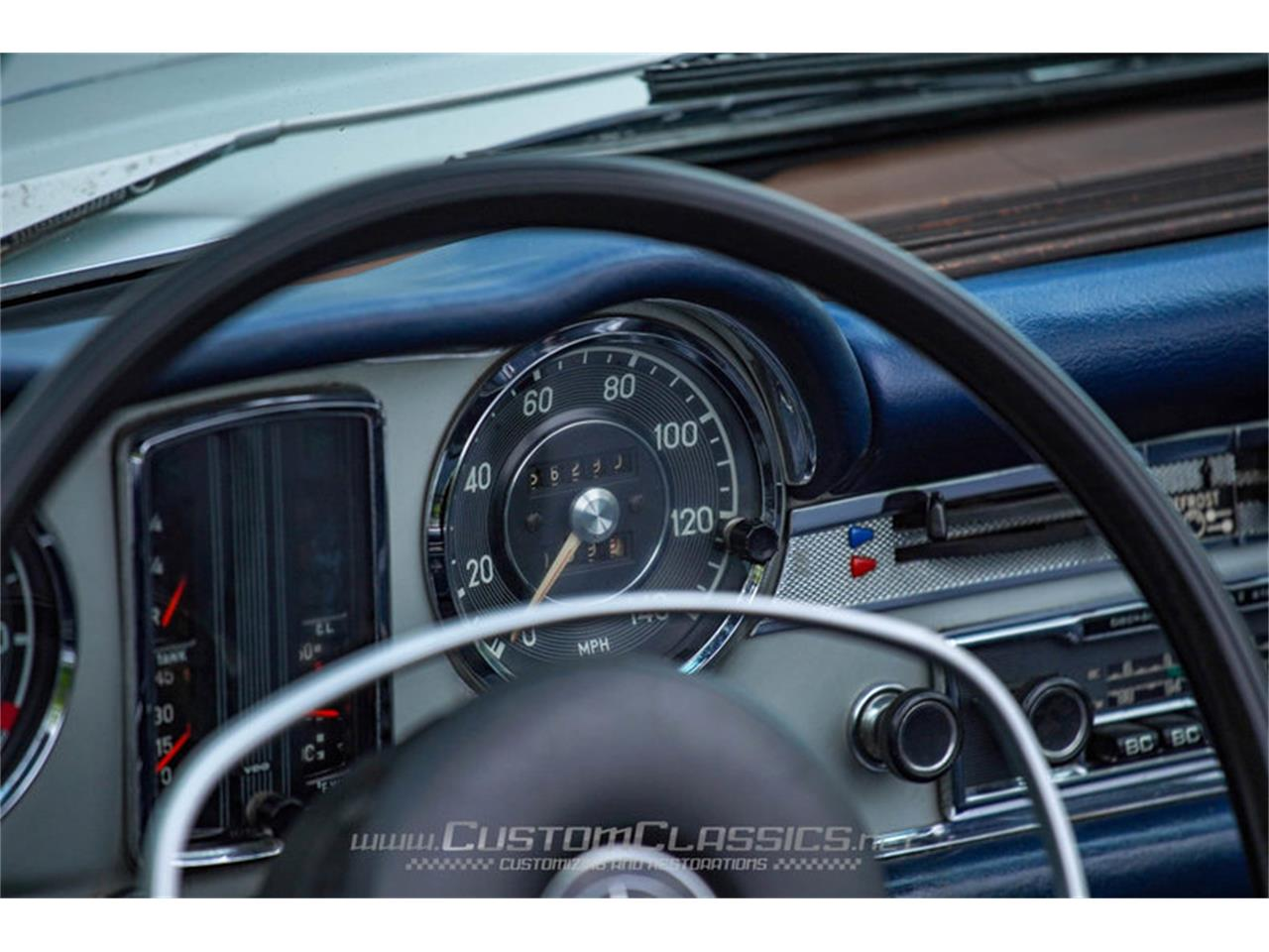 Large Picture of Classic 1970 280SL located in Illinois Offered by Custom Classics - NMYI