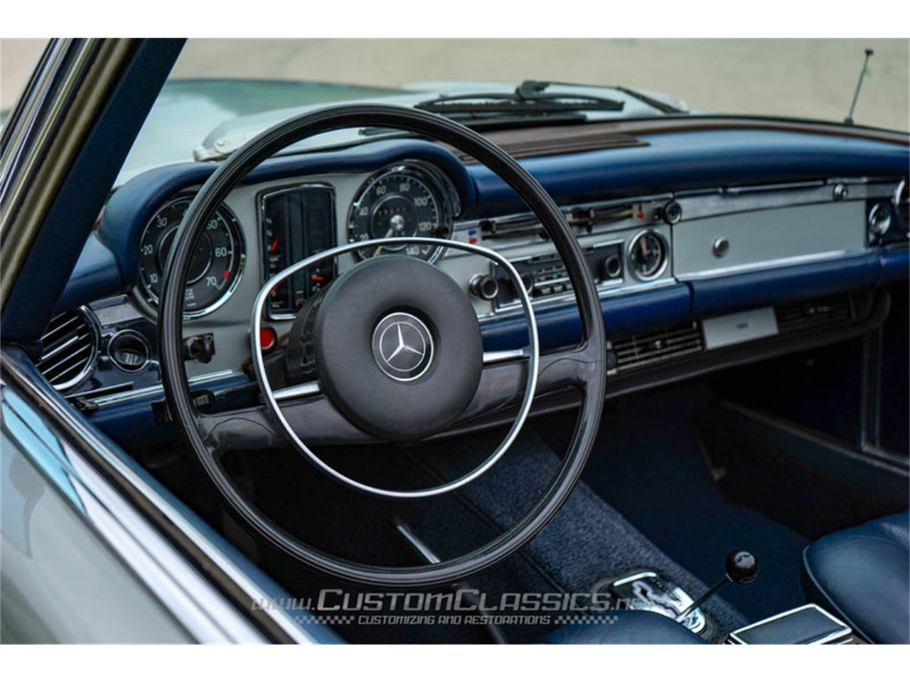 Large Picture of Classic '70 Mercedes-Benz 280SL located in Illinois Offered by Custom Classics - NMYI
