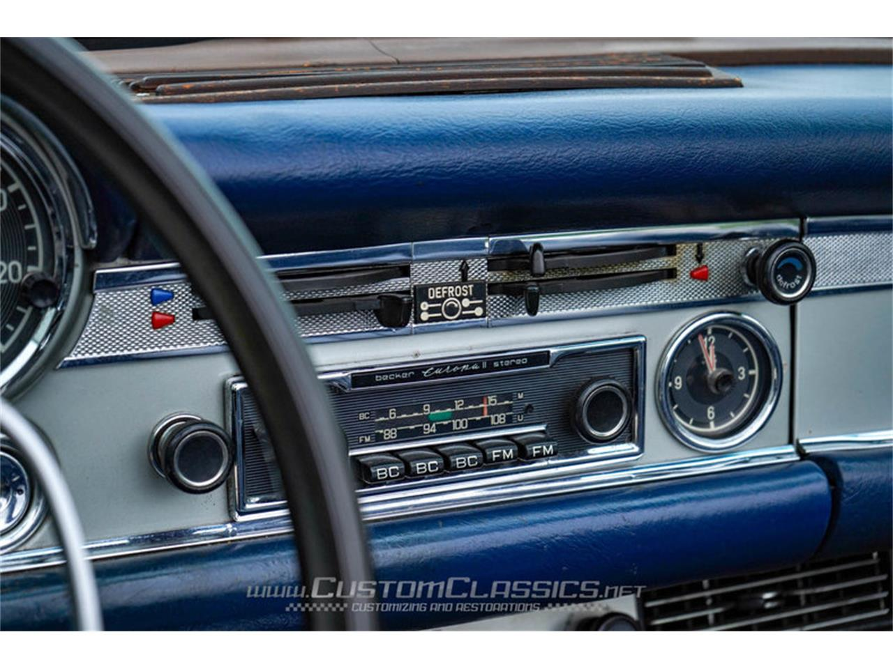Large Picture of '70 Mercedes-Benz 280SL located in Island Lake Illinois - NMYI