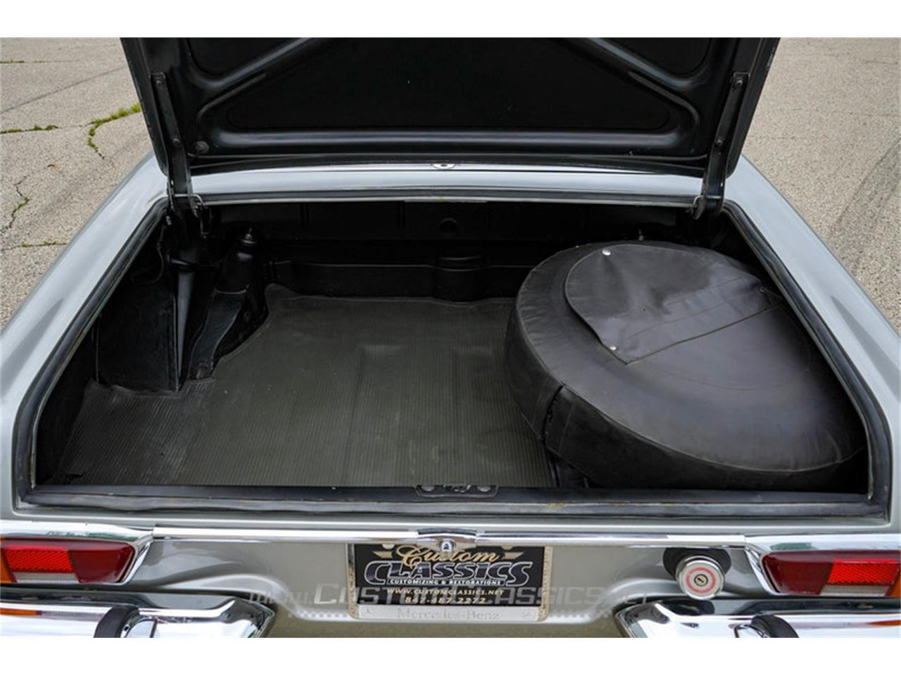 Large Picture of '70 Mercedes-Benz 280SL located in Illinois - NMYI