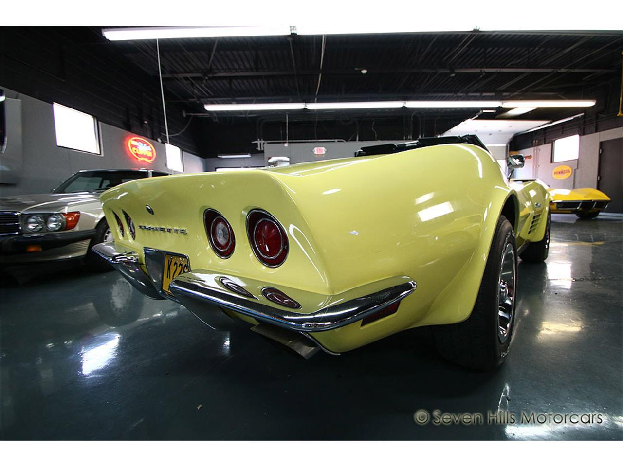 Large Picture of 1971 Chevrolet Corvette located in Cincinnati Ohio - $27,900.00 Offered by Seven Hills Motorcars - NN0A
