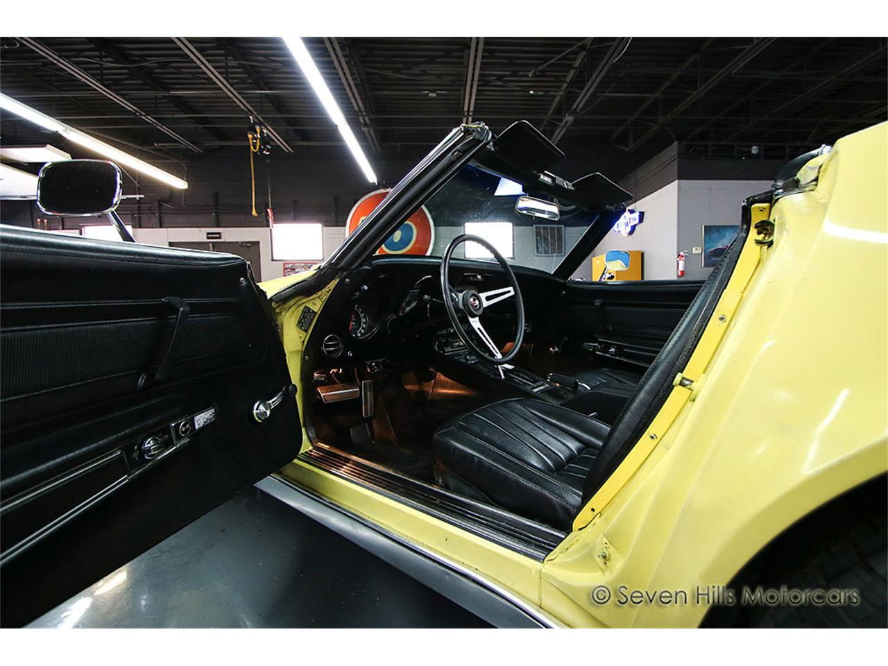 Large Picture of Classic '71 Chevrolet Corvette located in Cincinnati Ohio Offered by Seven Hills Motorcars - NN0A