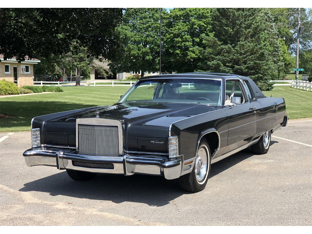 1977 Lincoln Town Car For Sale