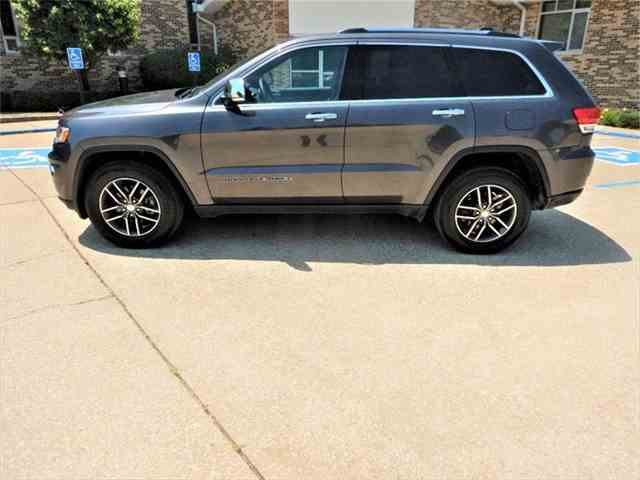 Picture of '17 Jeep Grand Cherokee - $29,995.00 - NNB4