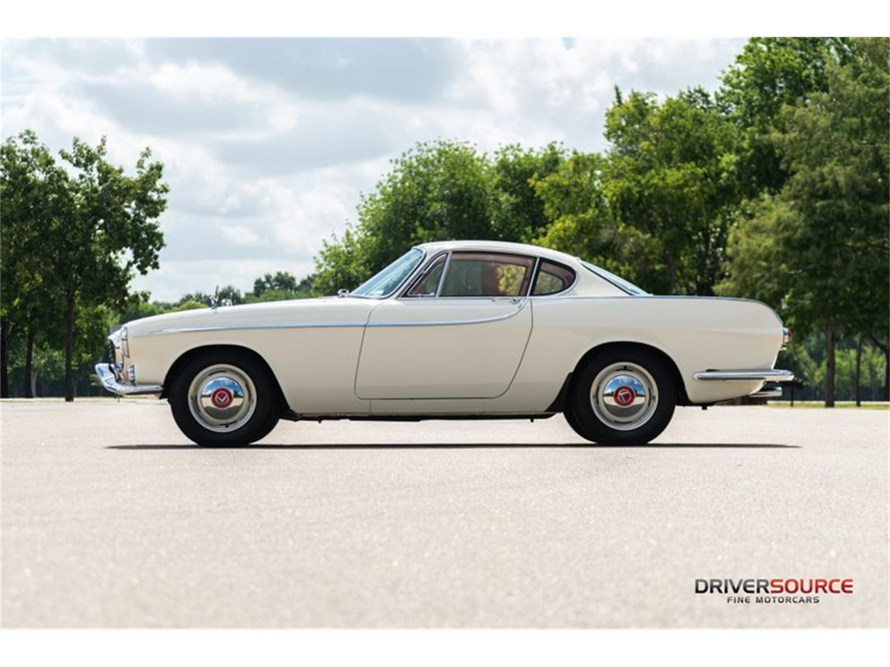 Large Picture of 1964 Volvo P1800E Offered by Driversource - NNM3