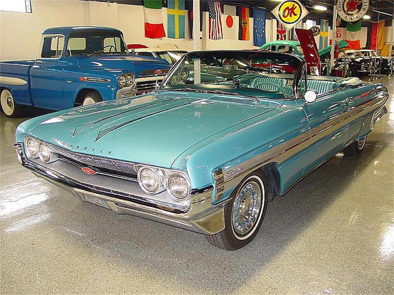 Large Picture of '61 Starfire - NNRK