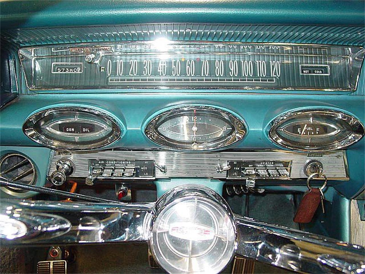 Large Picture of '61 Oldsmobile Starfire located in colorado springs Colorado Offered by Auto Gallery Colorado  - NNRK