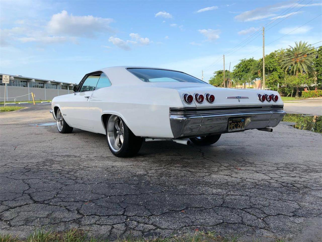 Large Picture of Classic 1965 Chevrolet Impala SS located in Florida - NNRP