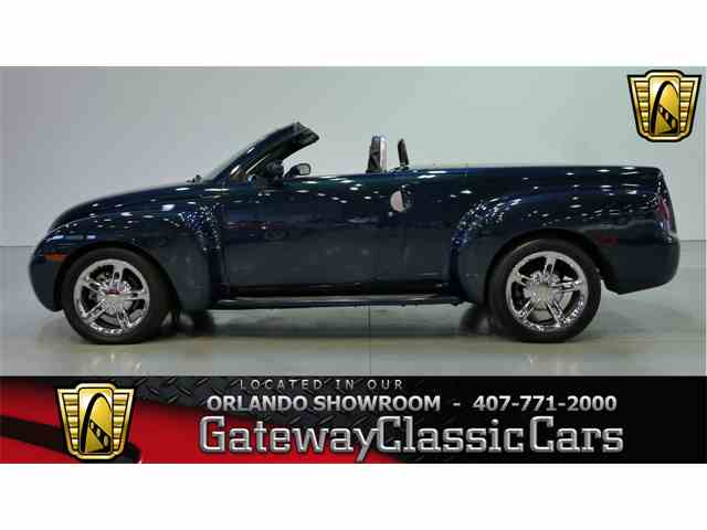 Picture of 2005 Chevrolet SSR - NO03