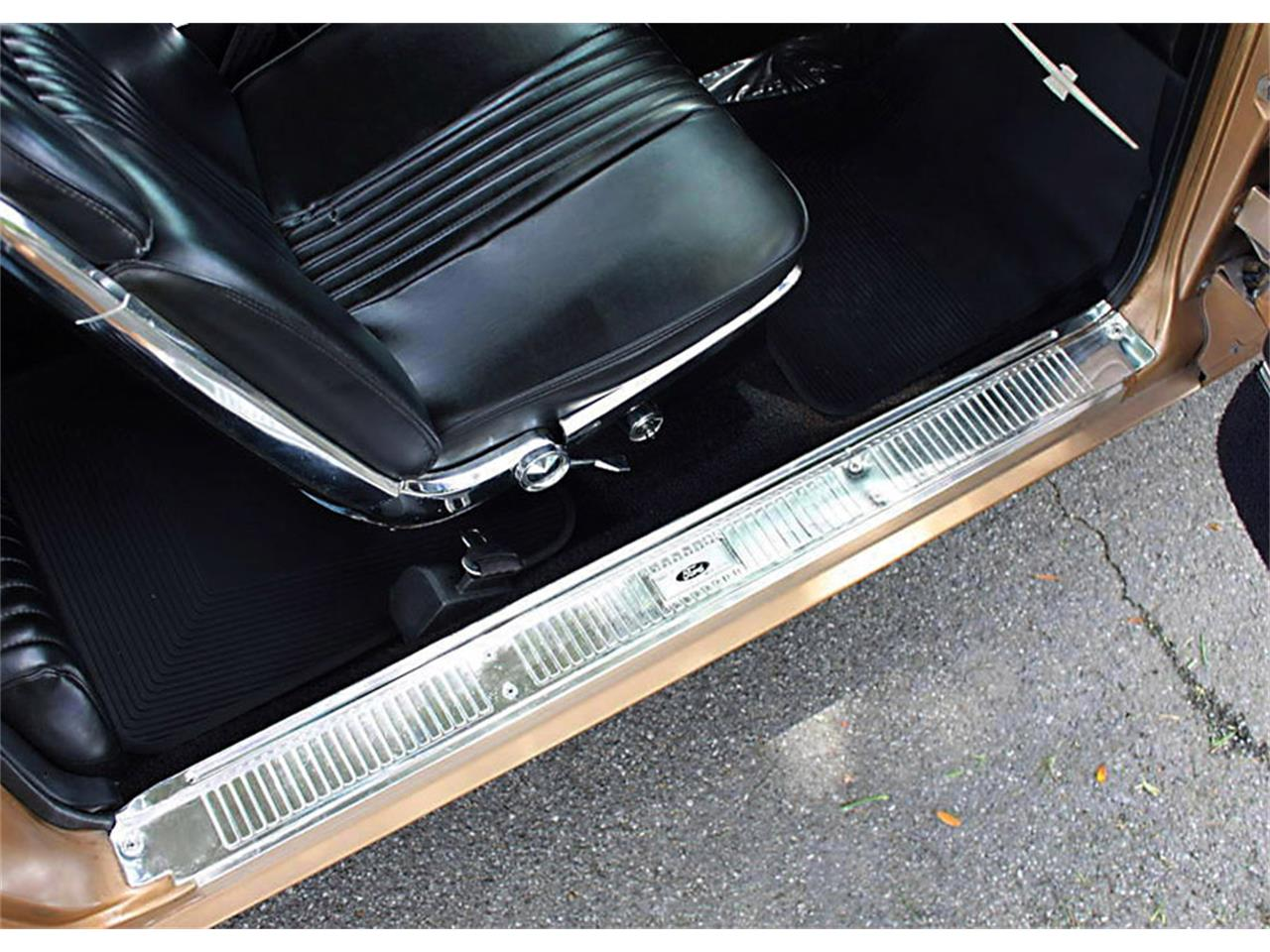Large Picture of Classic 1964 Ford Thunderbird - NOG5