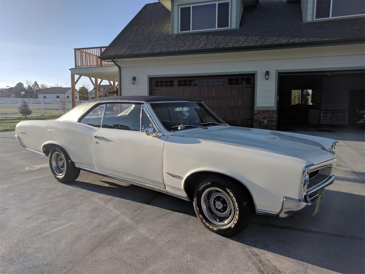 Large Picture of '66 GTO - NOQ8