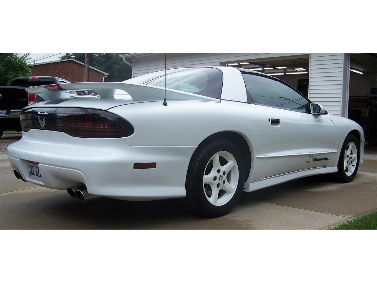 Large Picture of 1994 Firebird Trans Am located in Ohio - NOQC
