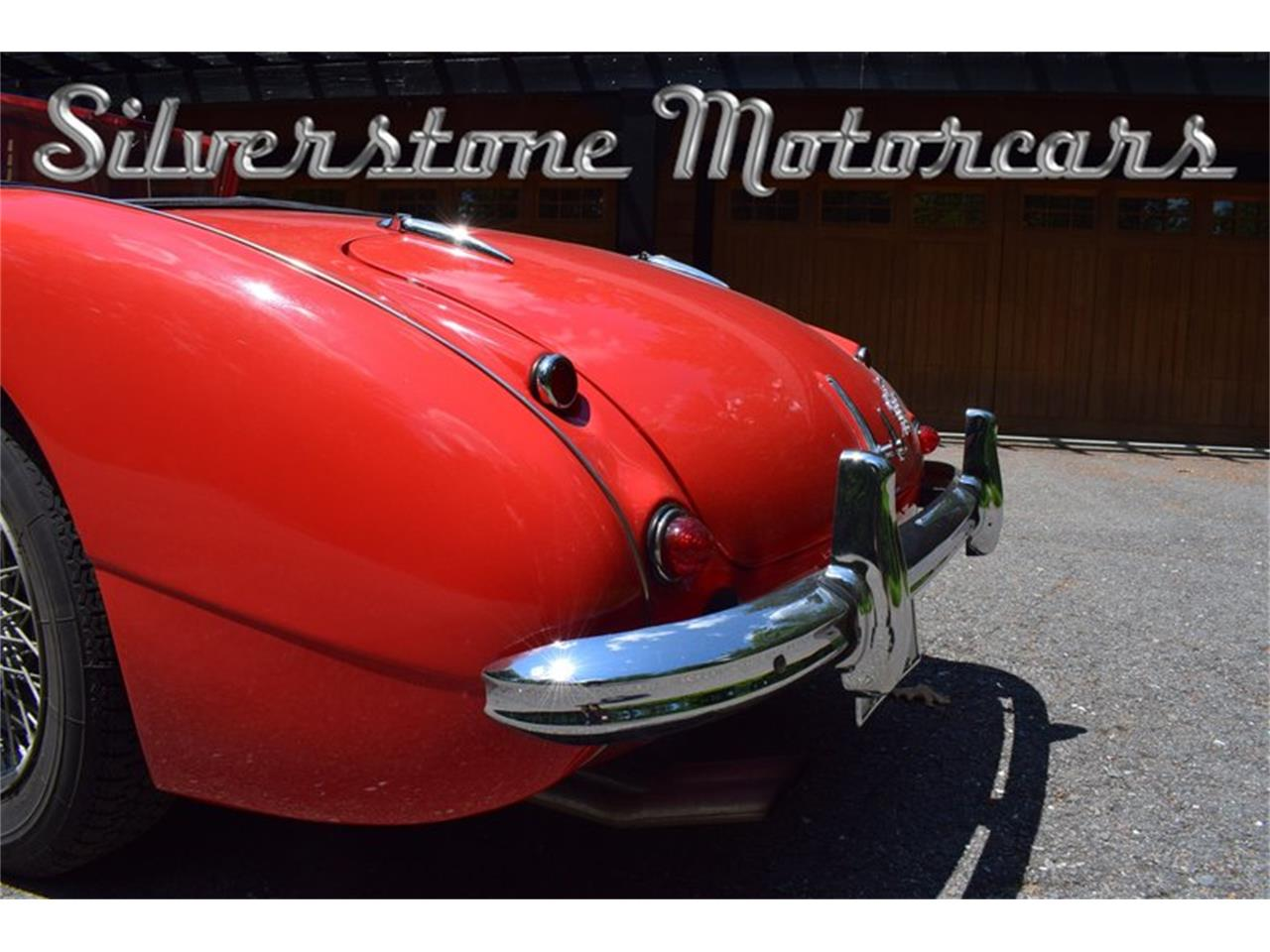 Large Picture of Classic 1961 Austin-Healey 3000 Offered by Silverstone Motorcars - NP0V
