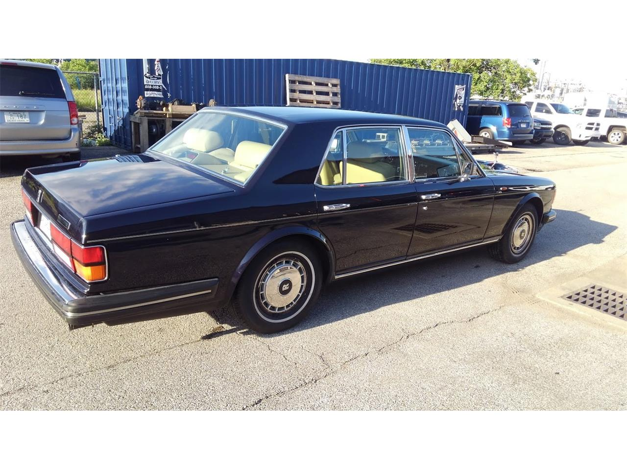 Large Picture of 1990 Rolls-Royce Silver Spirit - NP63