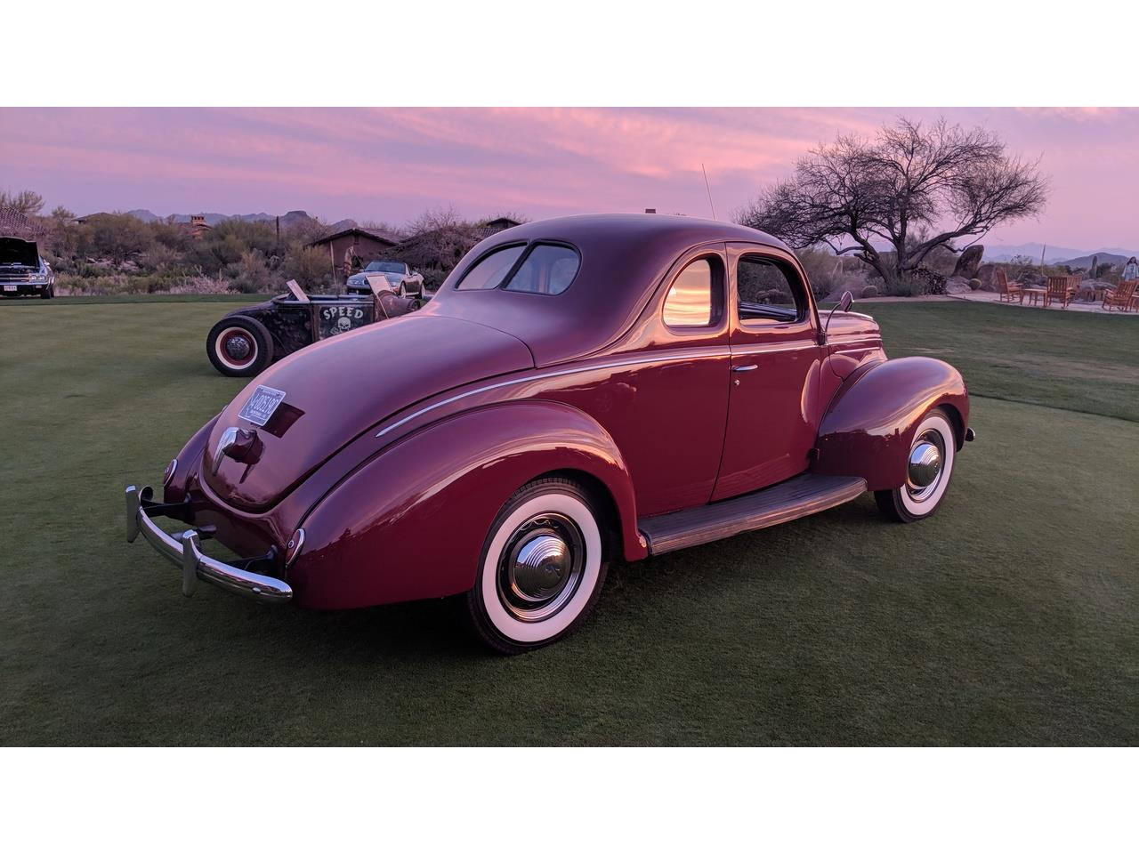 Large Picture of Classic 1939 Deluxe Offered by a Private Seller - NQG9