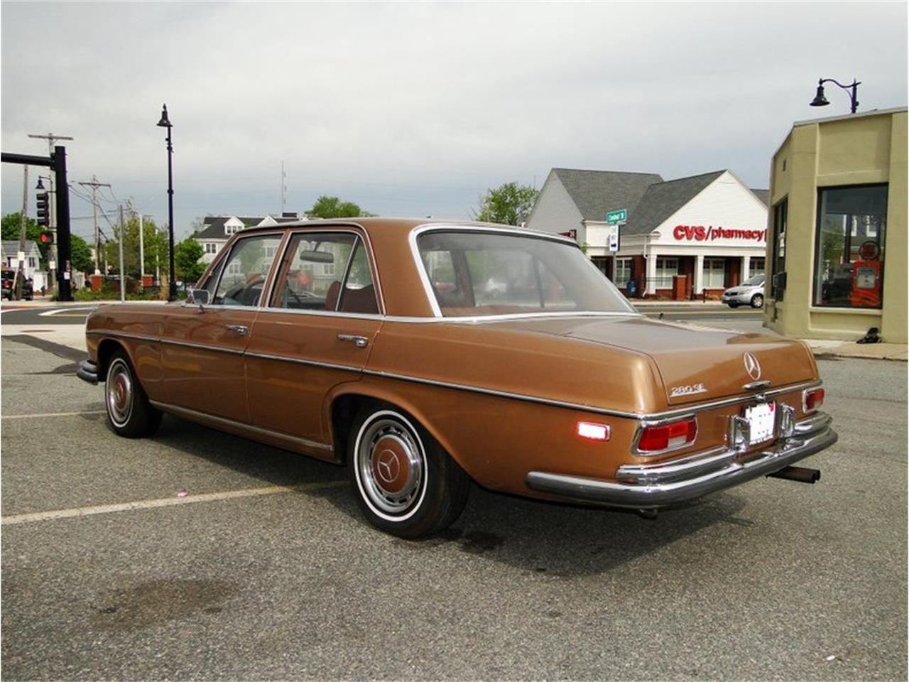 Large Picture of '69 Mercedes-Benz 280SE located in Massachusetts - NQJO