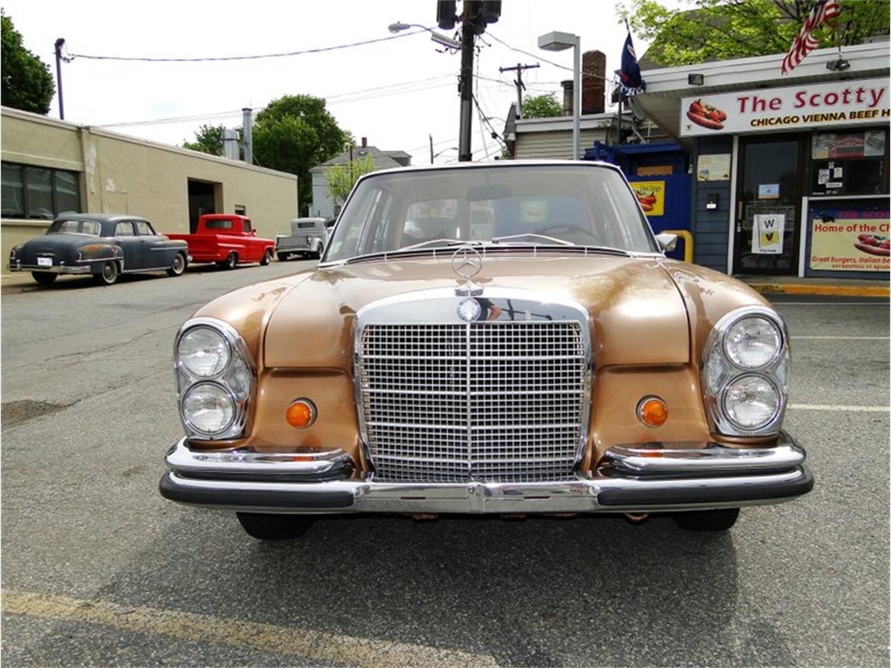 Large Picture of Classic '69 Mercedes-Benz 280SE located in Massachusetts - NQJO