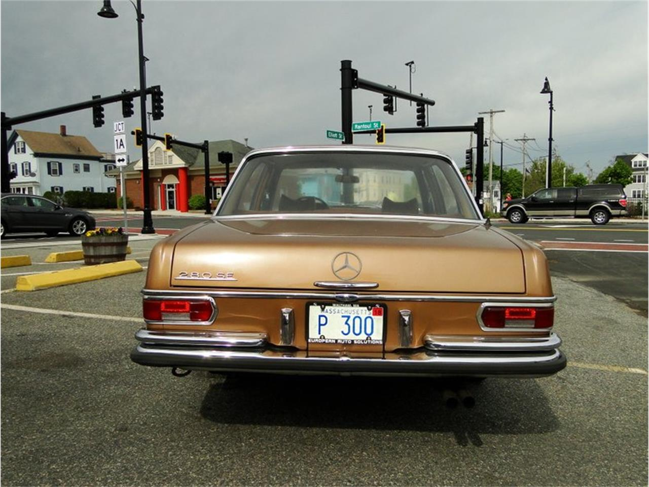 Large Picture of Classic 1969 Mercedes-Benz 280SE Offered by Legendary Motors LLC - NQJO