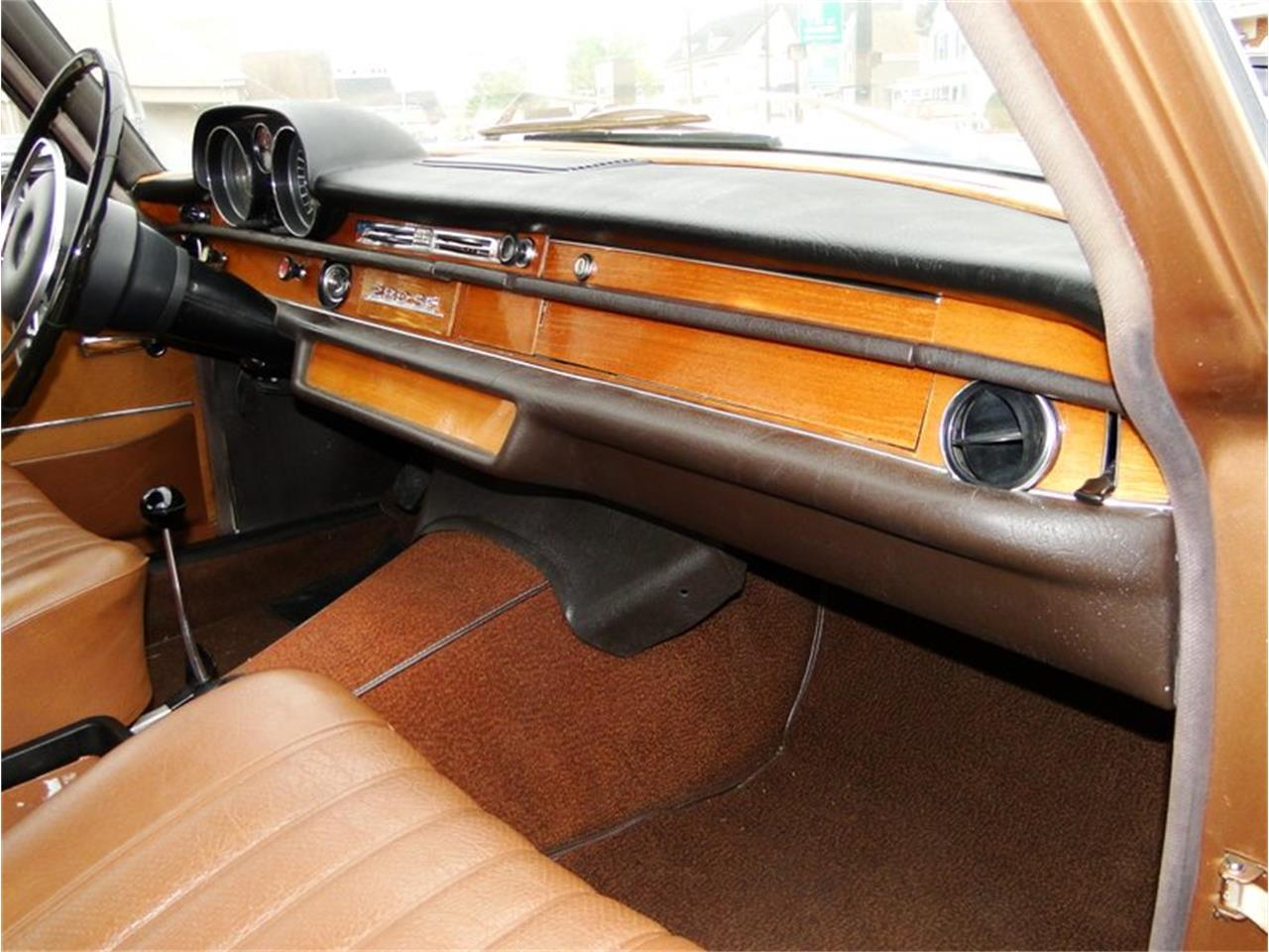 Large Picture of Classic '69 Mercedes-Benz 280SE - $27,900.00 - NQJO