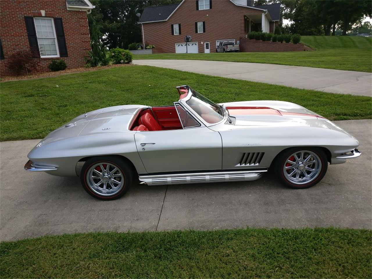Large Picture of '67 Corvette located in Tennessee Offered by Vintage Planet - NR9O