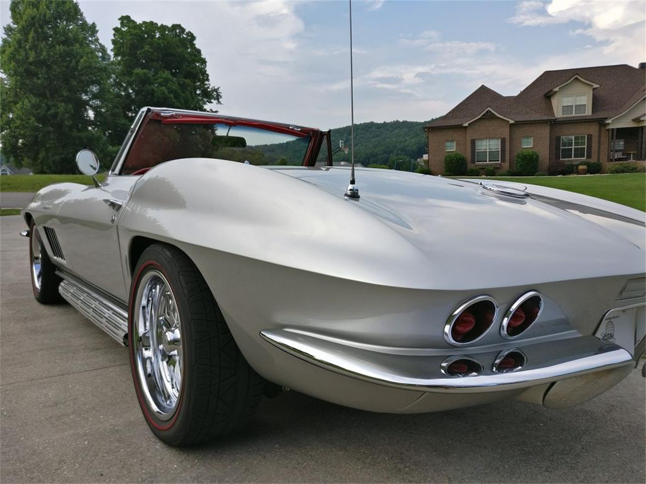 Large Picture of Classic '67 Corvette located in Cookeville Tennessee - NR9O