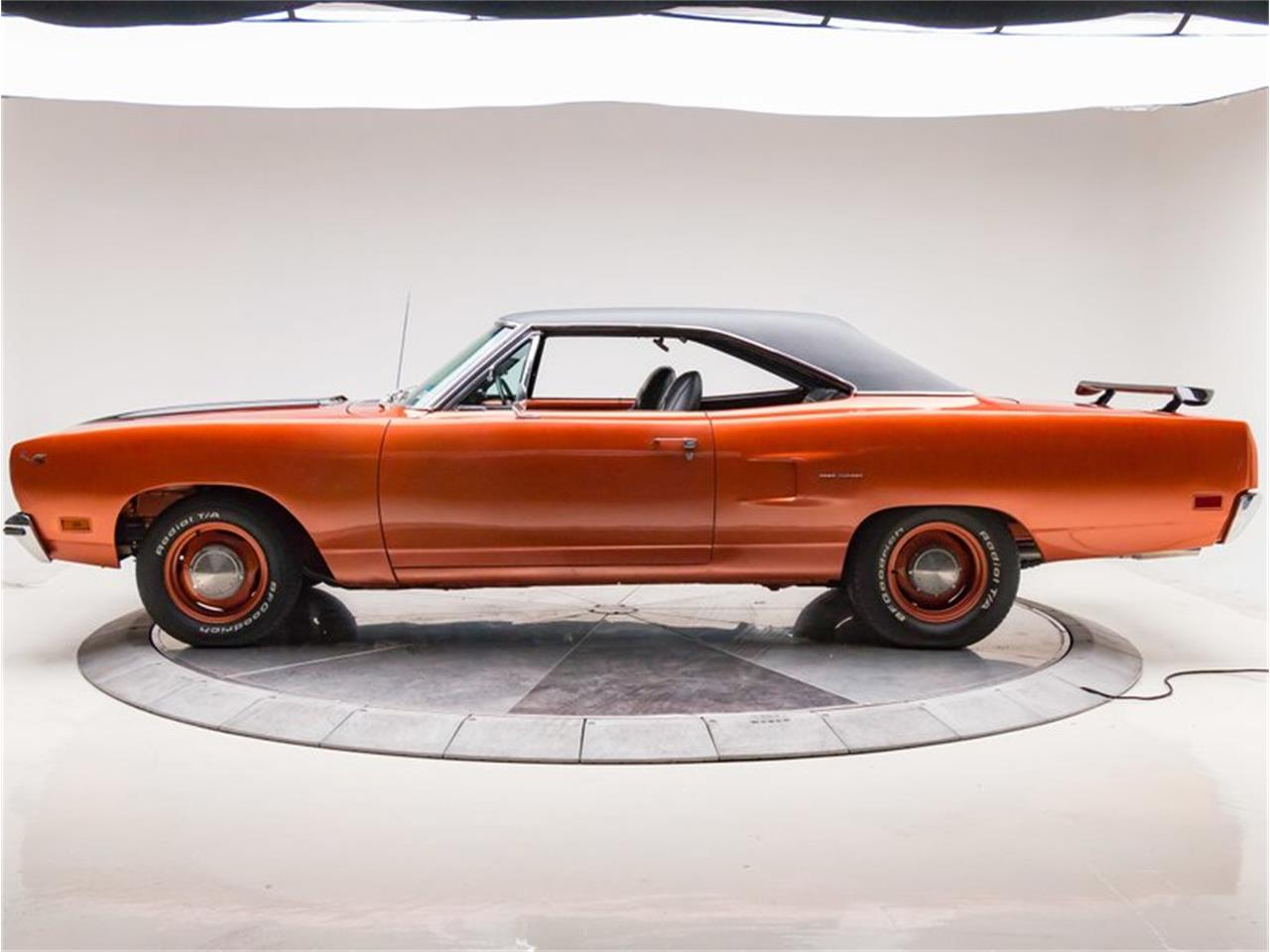 Large Picture of Classic '70 Plymouth Road Runner - NLF2