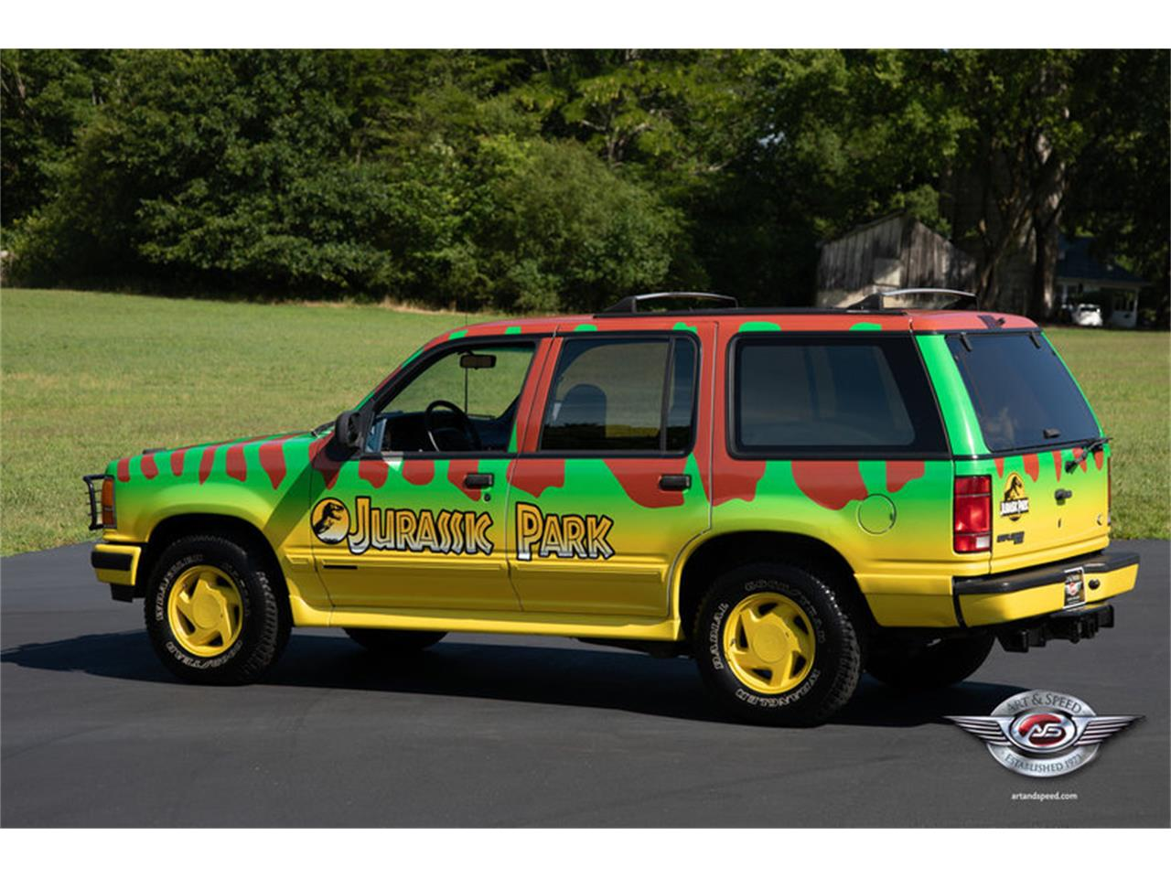 Large Picture of 1993 Ford Explorer located in Tennessee - NRIV