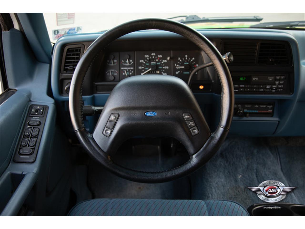 Large Picture of '93 Ford Explorer - $12,900.00 - NRIV