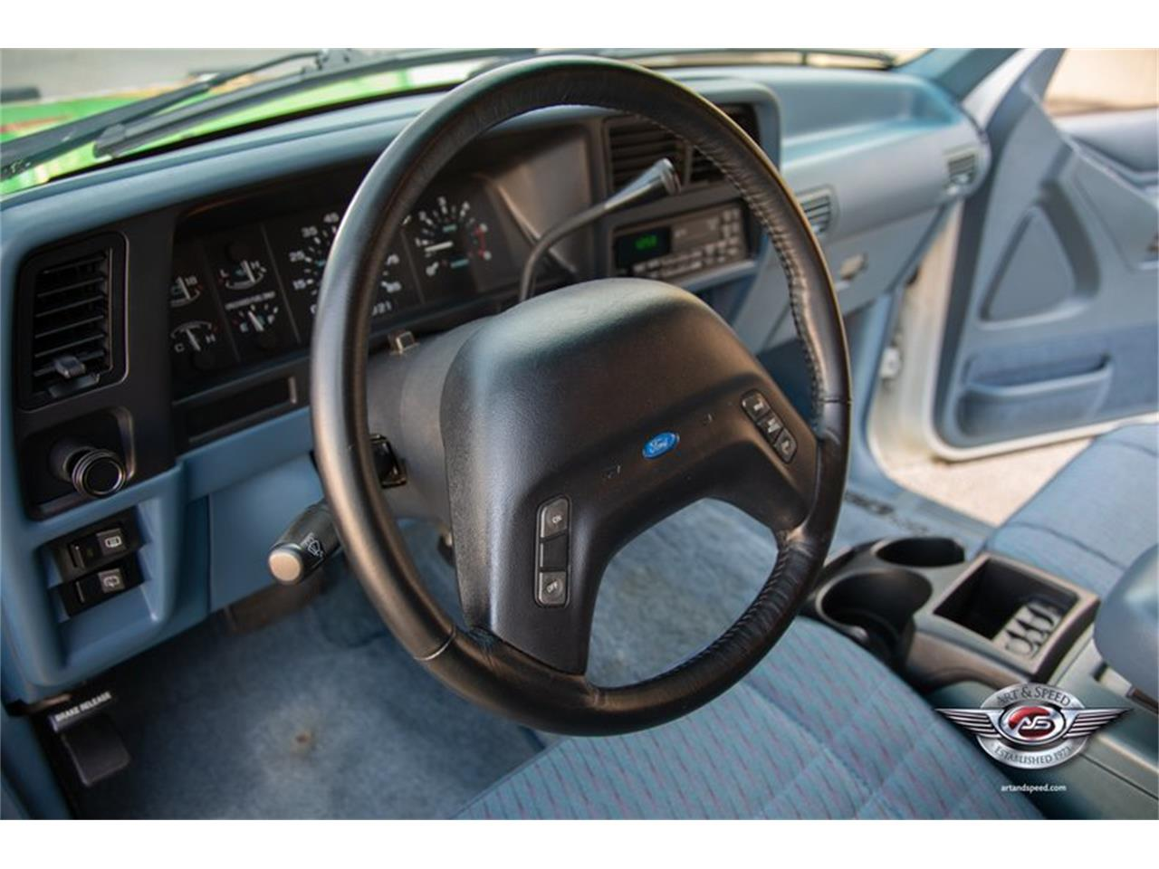 Large Picture of '93 Ford Explorer located in Tennessee - $8,900.00 - NRIV