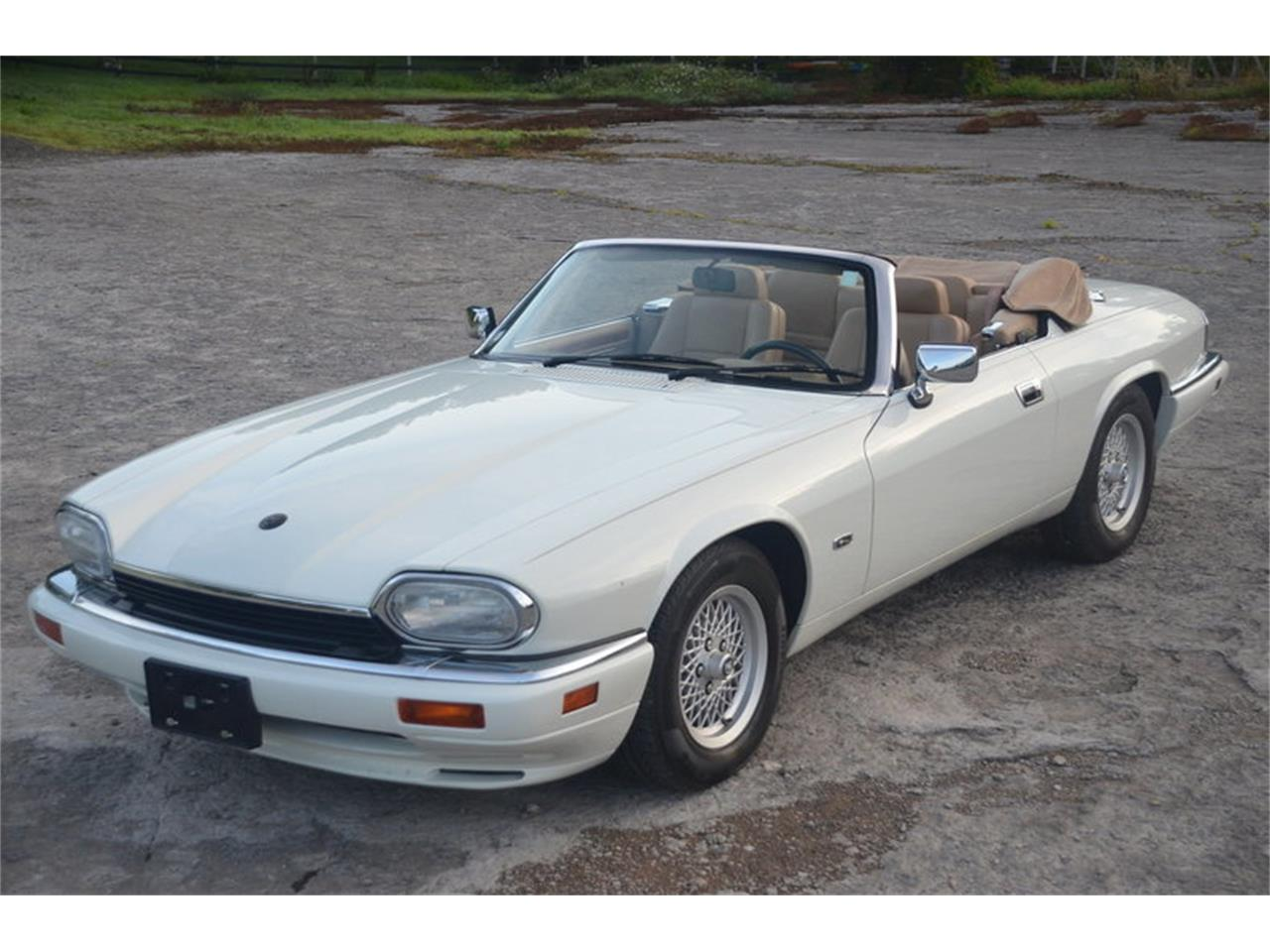 Large Picture of '94 Jaguar XJS located in Tennessee - NRL8