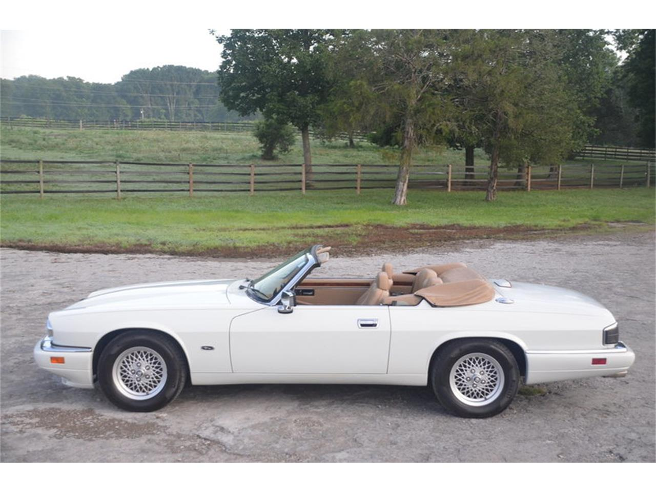 Large Picture of '94 Jaguar XJS located in Lebanon Tennessee - NRL8