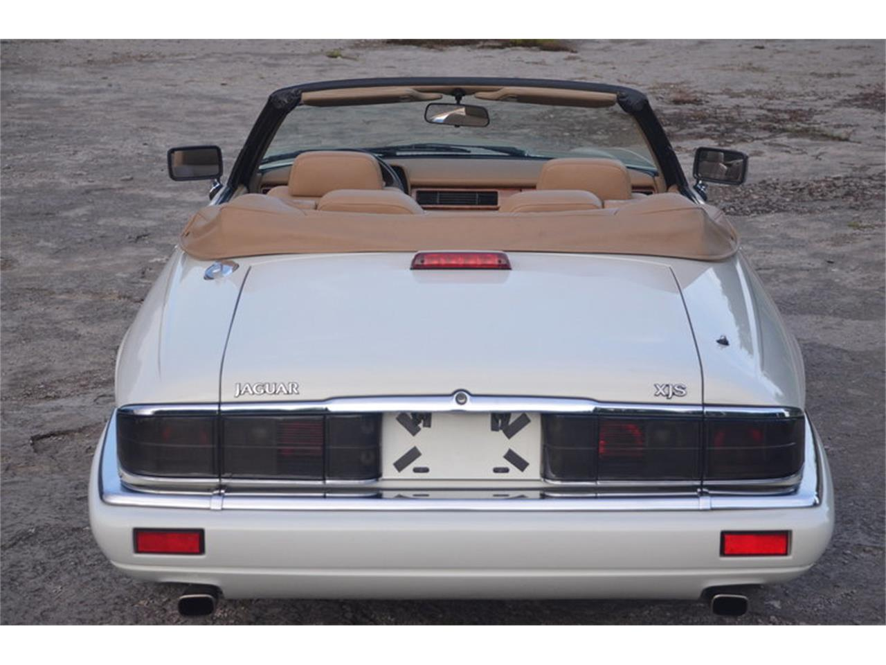 Large Picture of '94 XJS located in Lebanon Tennessee - $16,500.00 Offered by Frazier Motor Car Company - NRL8