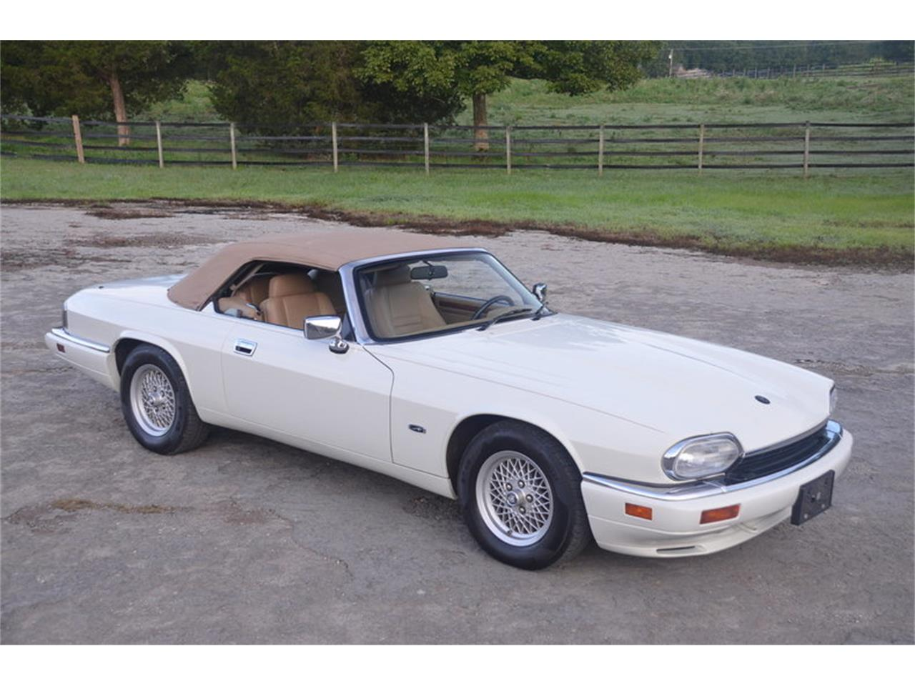Large Picture of 1994 XJS Offered by Frazier Motor Car Company - NRL8
