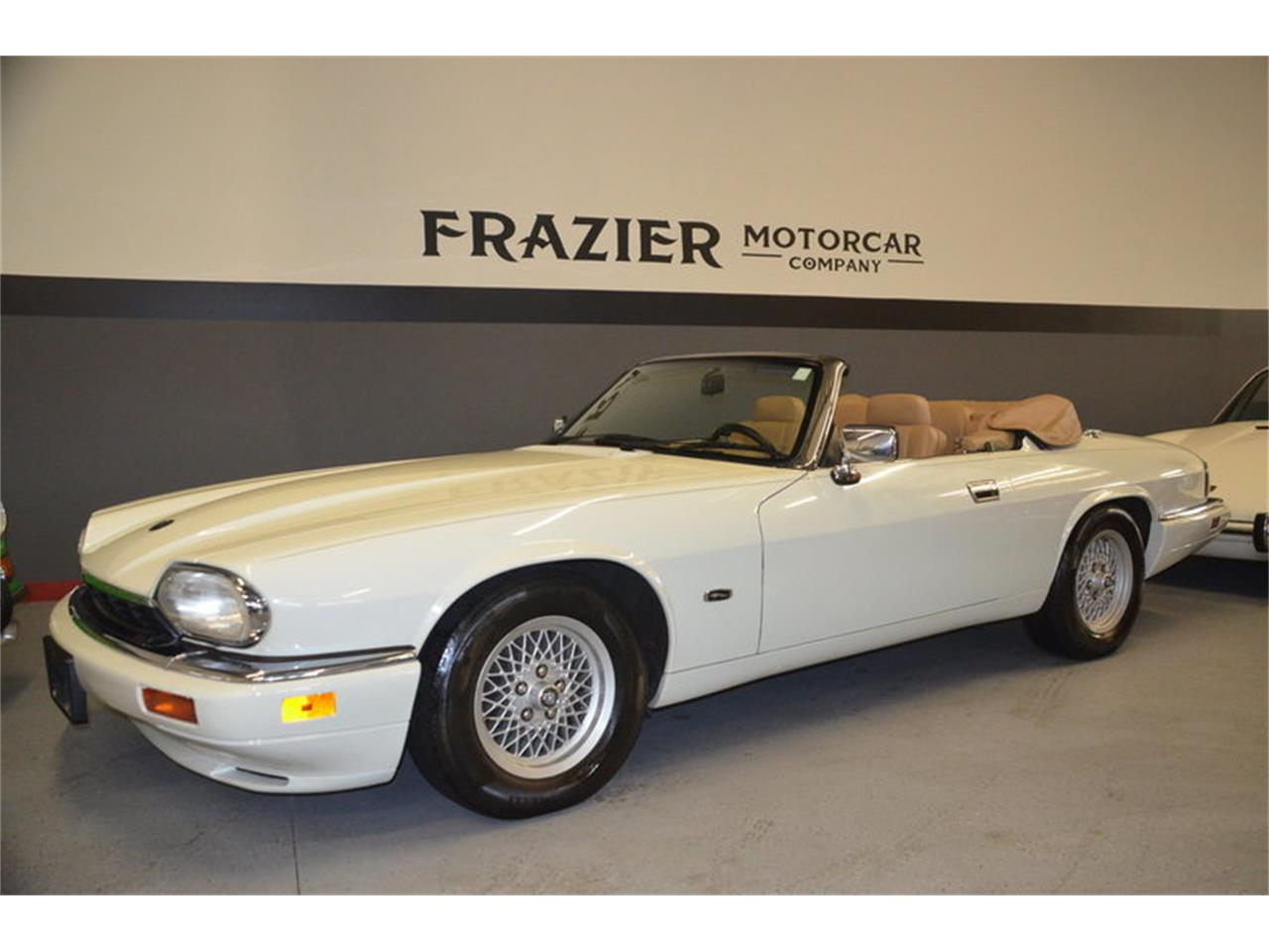 Large Picture of '94 XJS located in Lebanon Tennessee Offered by Frazier Motor Car Company - NRL8