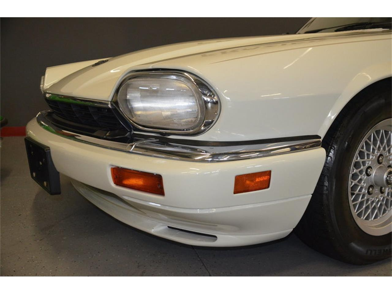 Large Picture of '94 Jaguar XJS - $16,500.00 Offered by Frazier Motor Car Company - NRL8