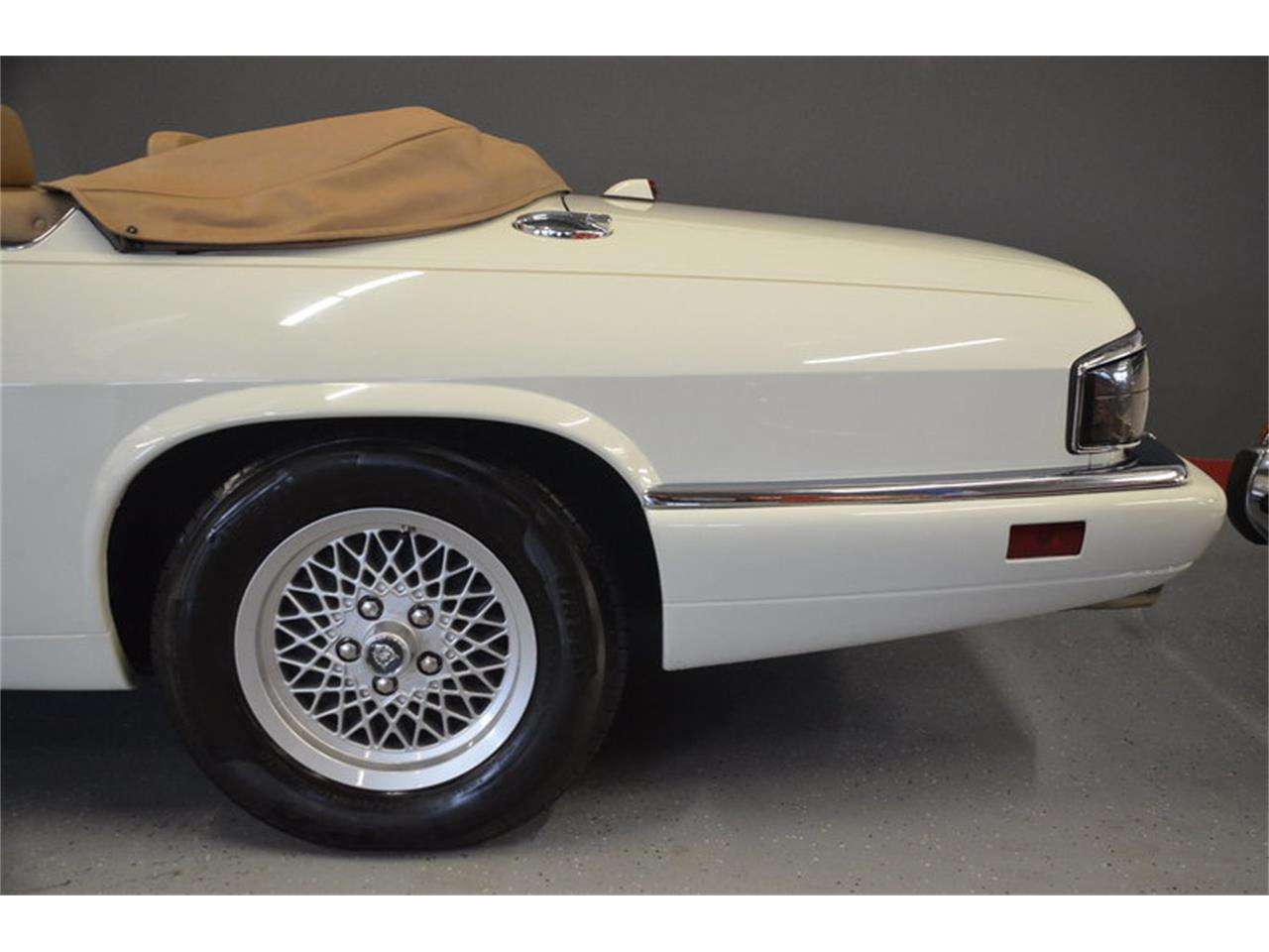 Large Picture of 1994 Jaguar XJS Offered by Frazier Motor Car Company - NRL8
