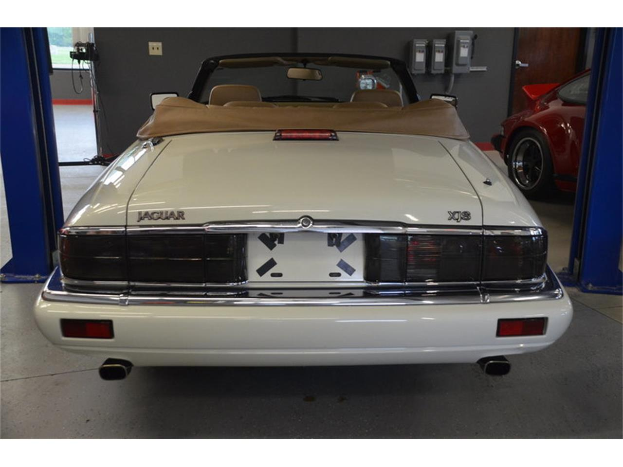 Large Picture of 1994 Jaguar XJS located in Lebanon Tennessee - $16,500.00 - NRL8