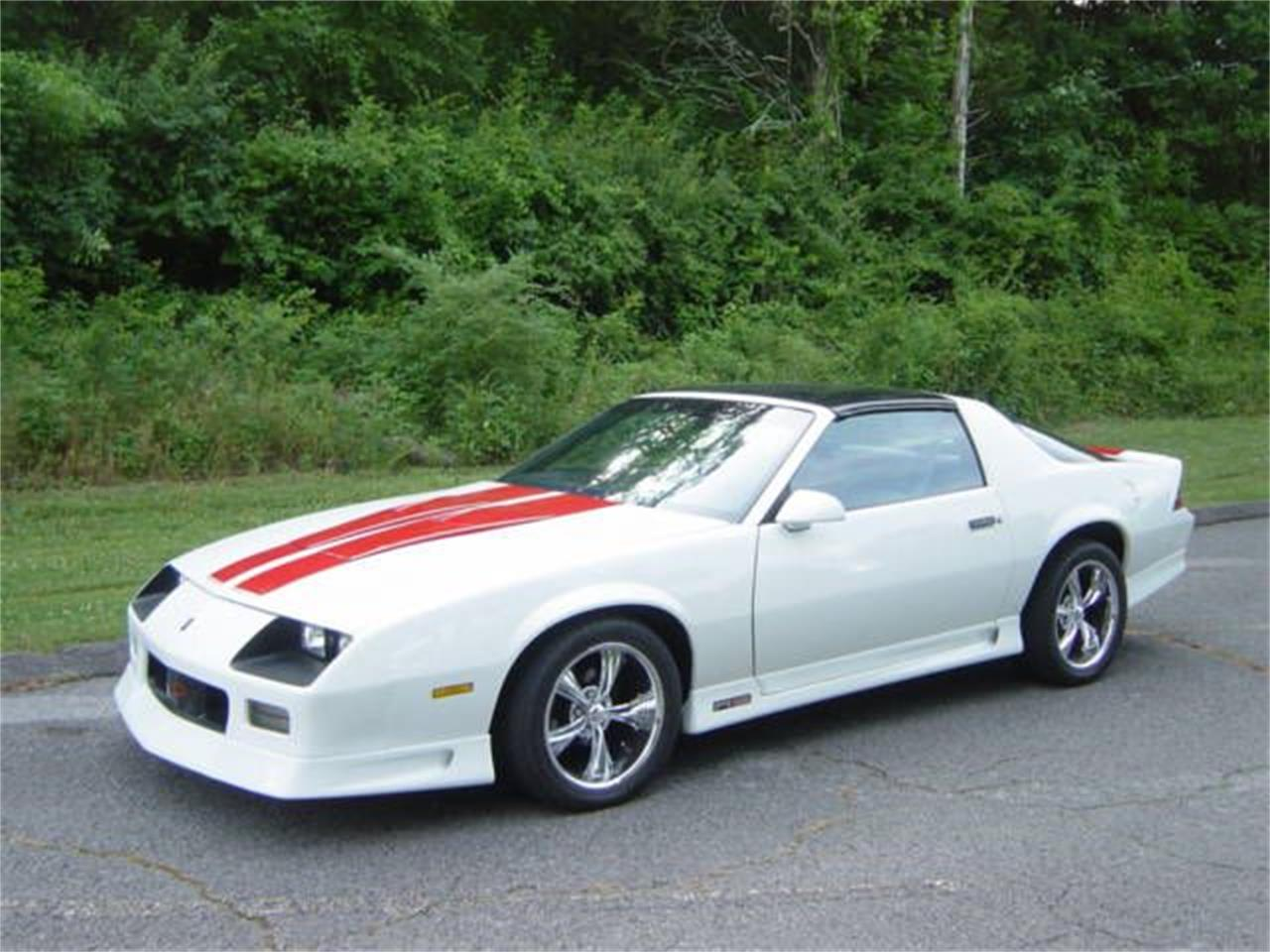 Large Picture of '92 Chevrolet Camaro RS located in Hendersonville Tennessee Offered by Maple Motors - NRN2