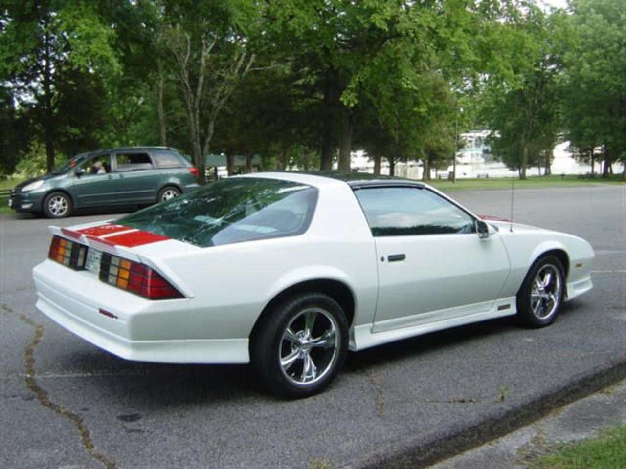 Large Picture of '92 Chevrolet Camaro RS - NRN2
