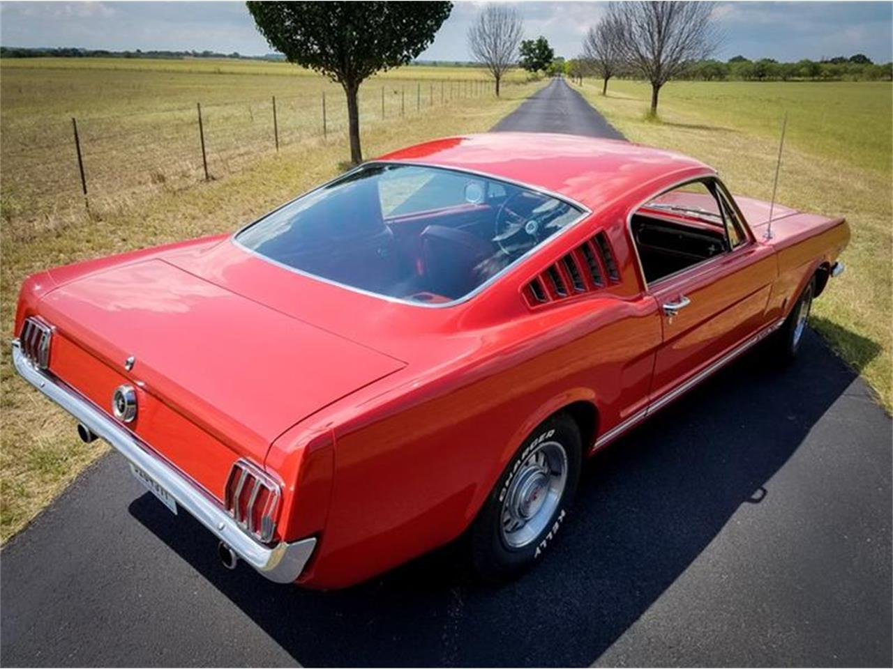 Large Picture of 1965 Ford Mustang - NRRS